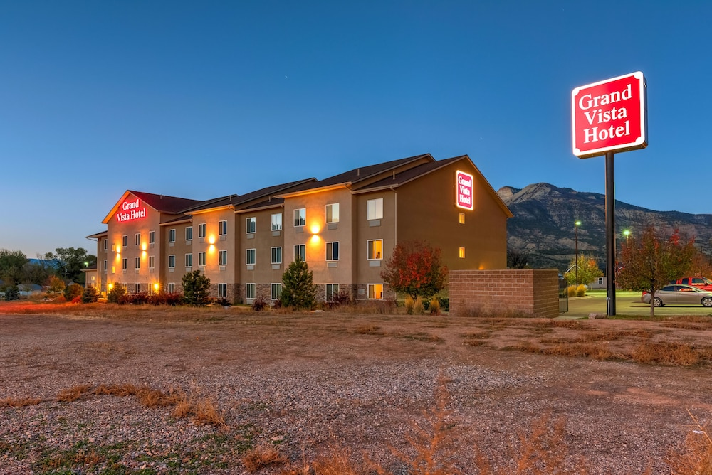 Grand Vista Hotel in Parachute Colorado